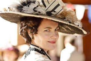 WWLGD (What Would Lady Grantham Do?)